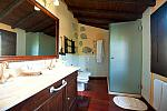 Suite bathroom, Hotel Las Calas
