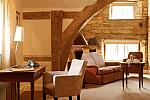 Hotel suite in Cotswold village