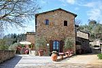 Small hotel in Tuscan hills