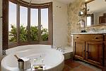 Junior suite with jacuzzi bath