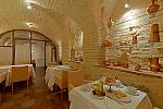 Vaulted breakfast room, Granada hotel
